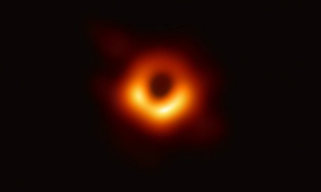 Investigadores del EHT consiguen la primera foto de un agujero negro supermasivo