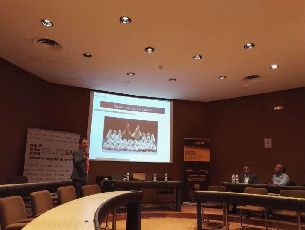Luis Granda, Director del Bufete jurídico y económico Bertolo y Granda, hablando sobre la empresa familiar
