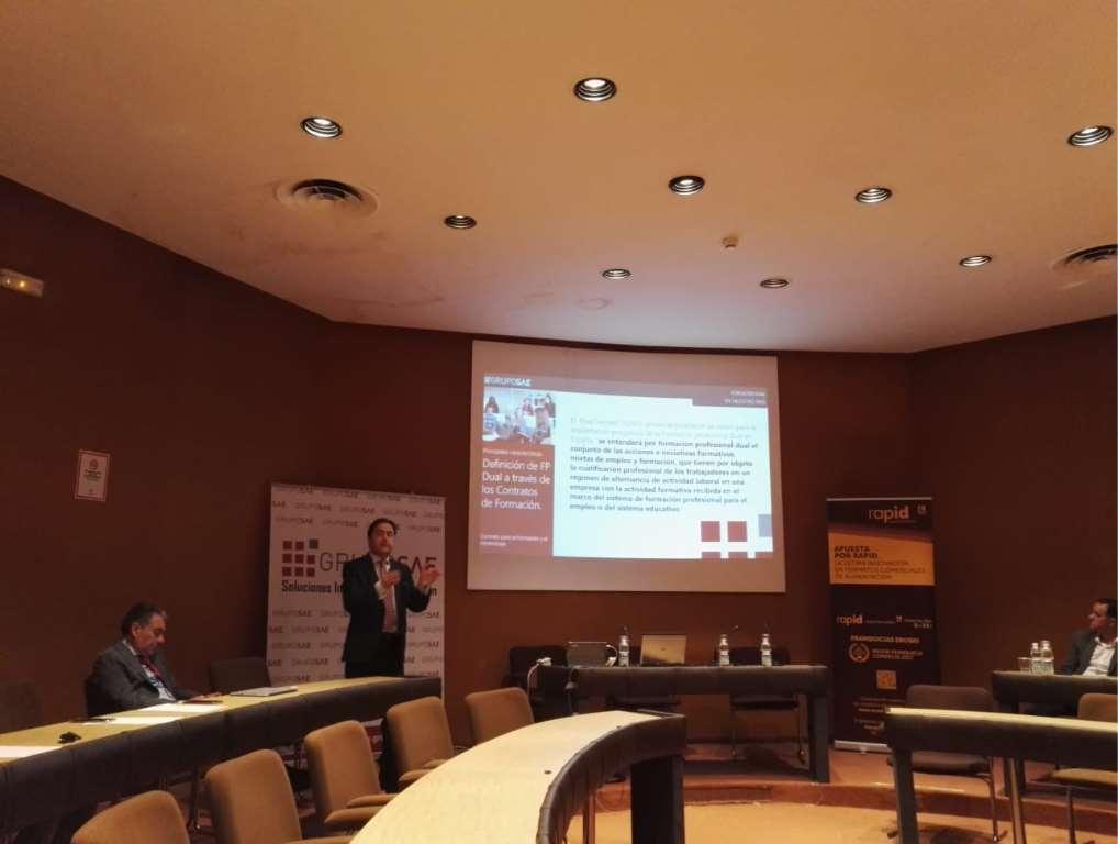 Antonio Toro, Director de Grupo SAE, durante su ponencia sobre la formación dual y del contrato de formación
