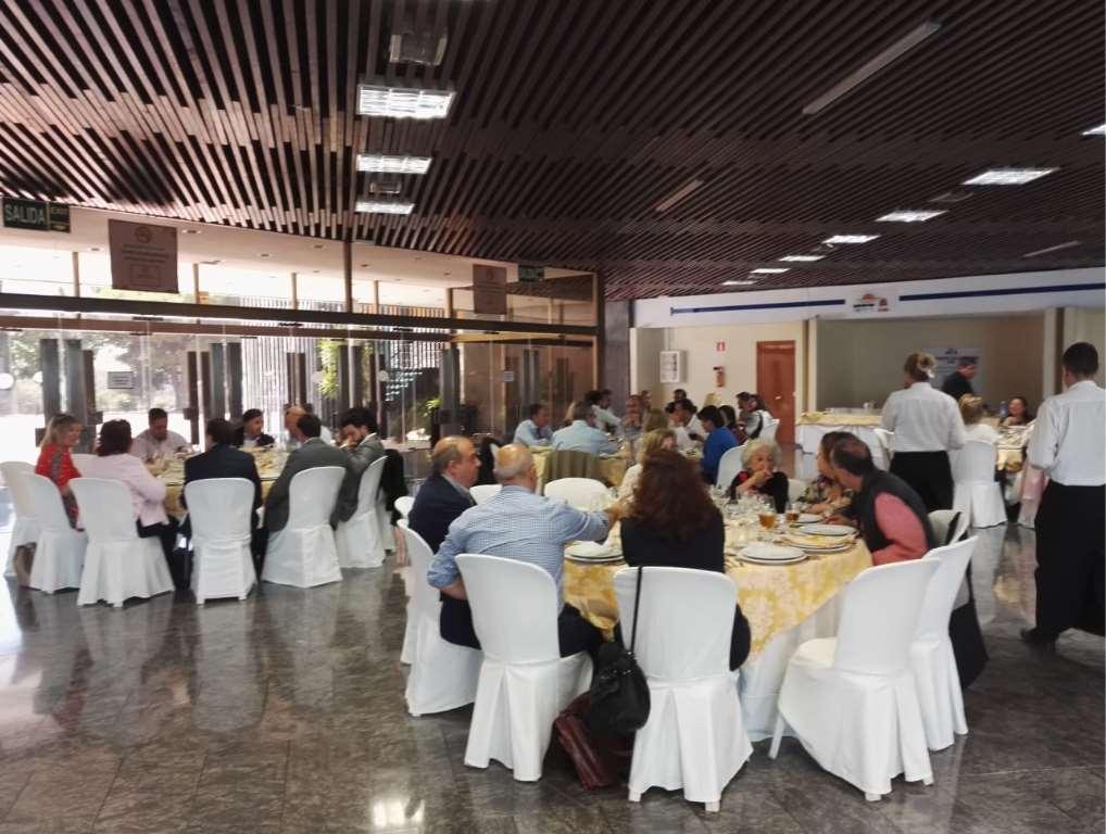 Almuerzo durante la Jornada de Formación ACET en Torremolinos