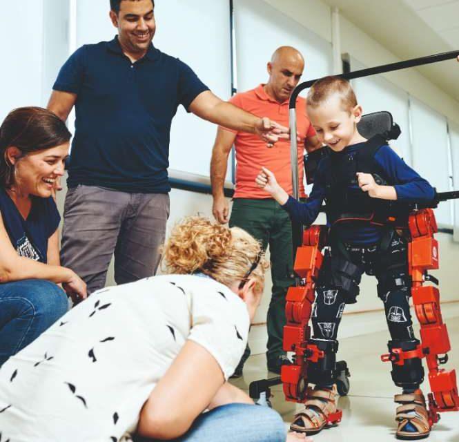 Robótica para asistir a personas con enfermedades neurológicas