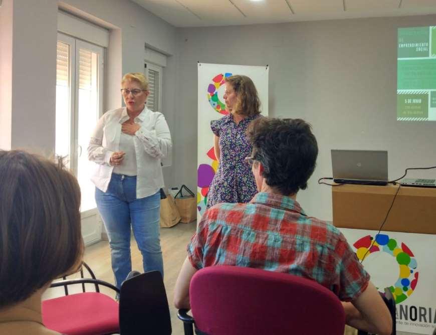 Ana Romero, Directora de la Noria y María Vela, de Ecoherencia