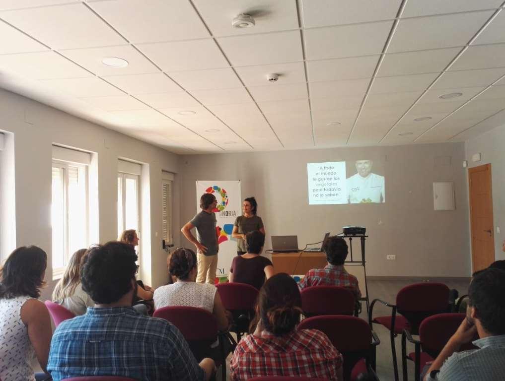 Andrea y Mercedes abrieron el panel con La Cuchara Verde