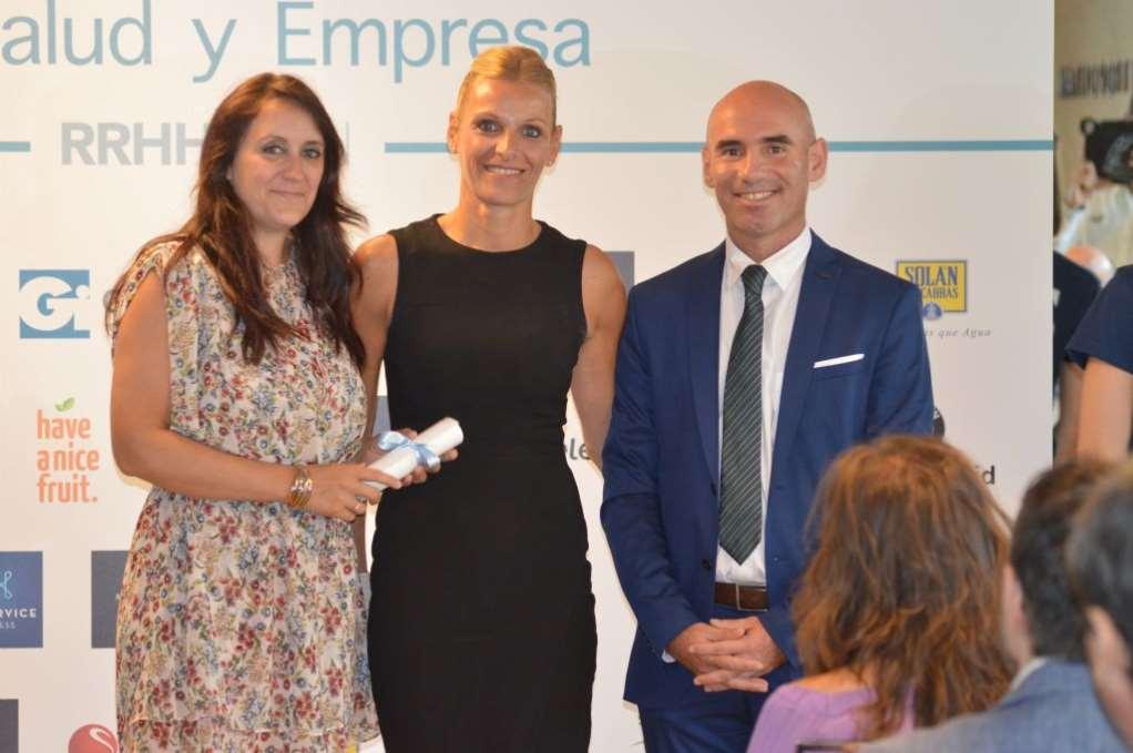 Foto Equipo Cuidar al que cuida en la entrega IV Premio Salud y Empresa de RRHH Digital
