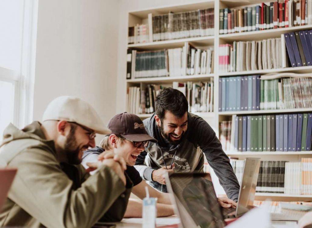 Los jóvenes emprendedores sociales vuelcan su espíritu emprendedor hacia el cambio social