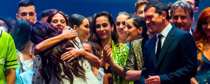 """Rosalía, I Premio de las Artes Escénicas """"Antonio Banderas"""" de ESAEM y receptora de dos galardones en los MTV Video Music Awards"""