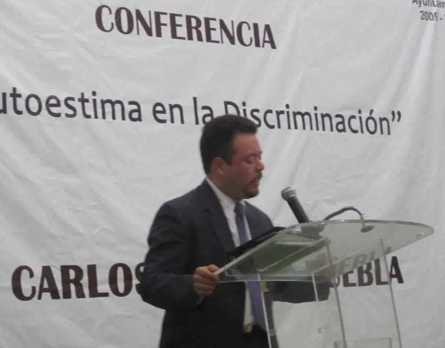 Carlos de Saro ofrece cantidad de conferencias en su tierra natal sobre el síndrome de Down
