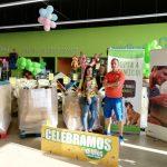 Macro donación de alimentos a protectoras de animales afectadas por la gota fría