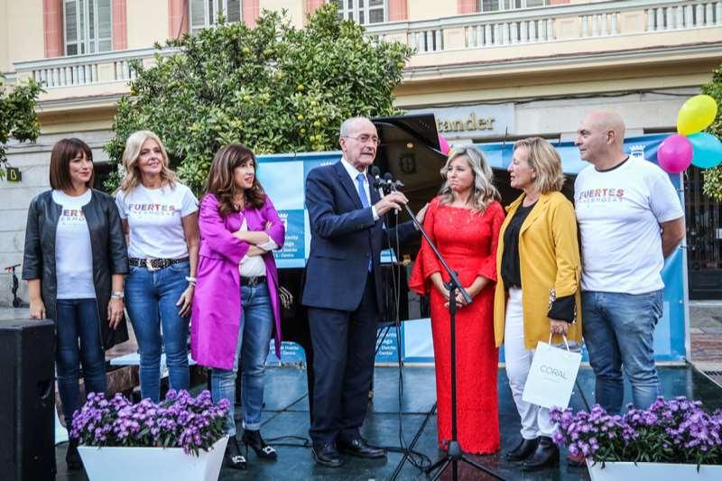 El alcalde de Málaga Francisco de la Torre tuvo tiempo de pasar a saludar en Fuertes y Hermosas 2019: una gran fiesta