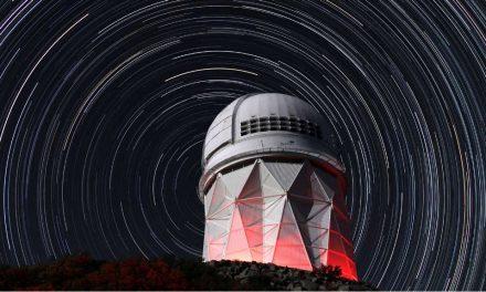 DESI abre sus 5.000 ojos para descubrir los misterios de la energía oscura
