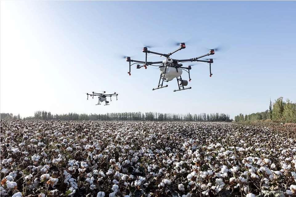 Inteligencia artificial para comandar al enjambre de drones
