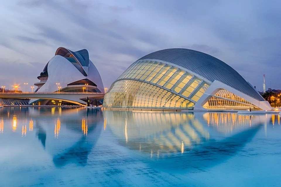 España es la 18ª mejor democracia plena del mundo. Vista de Valencia
