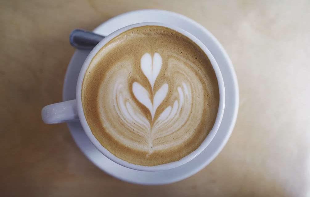 Beneficios del café frente al cáncer de mama tras la menopausia
