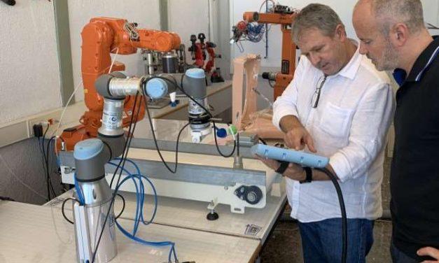 Robot de asistencia quirúrgica ginecológica para operaciones de útero