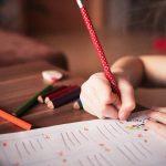 Alumnos del Hastings School escriben cartas de apoyo a pacientes de COVID-19