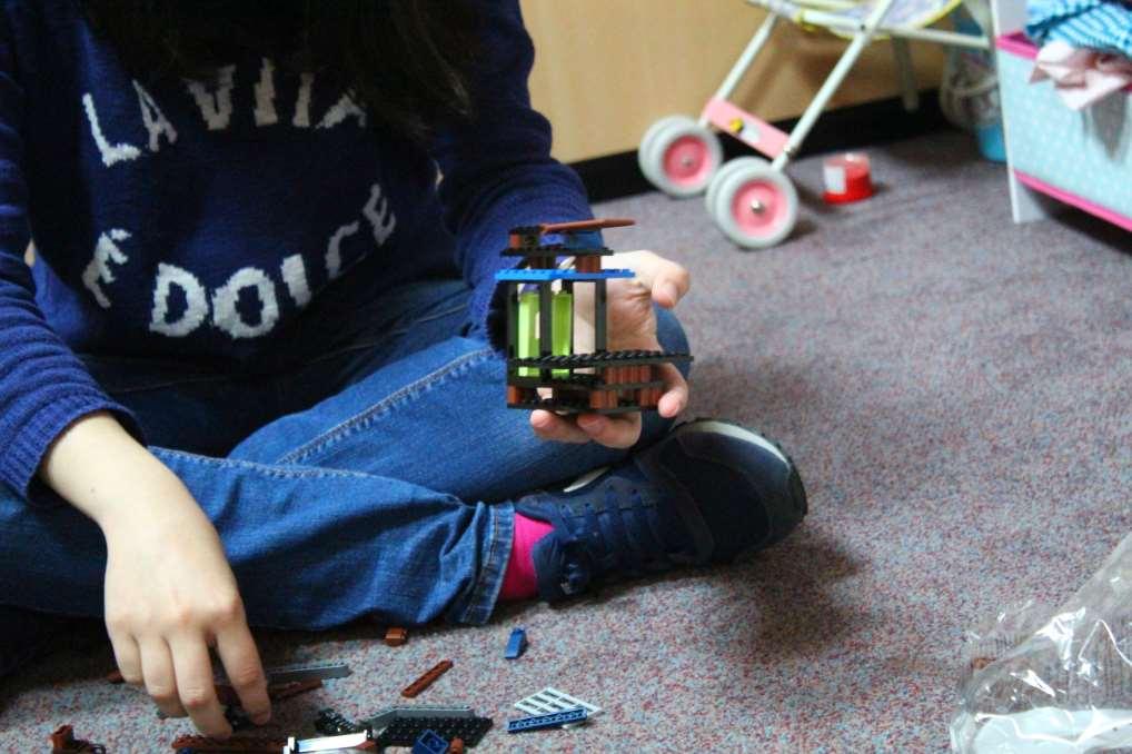 El Grupo LEGO y la Fundación LEGO han donado 134.000 euros y más de 3.800 juguetes a organizaciones españolas para apoyar el trabajo esencial que realizan frente a la epidemia del coronavirus y su enfermedad la COVID-19.