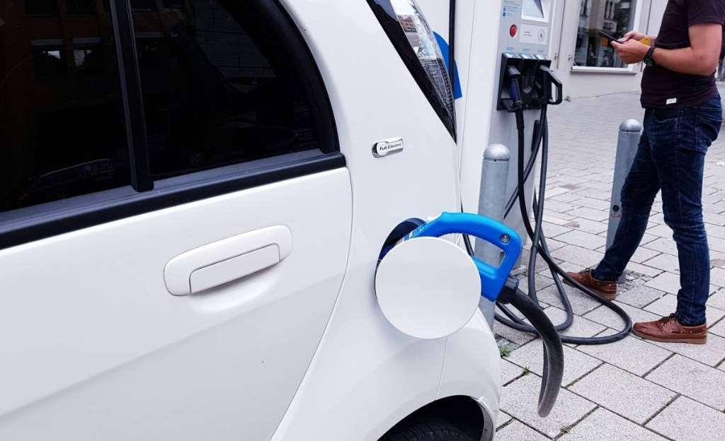 El PLCCTE incorpora a todos los sectores económicos a la acción climática, desde la generación de energía y las finanzas a los sectores primarios, pasando por eltransporte, laindustriao lasadministraciones públicas