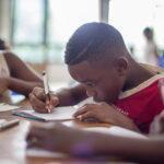 Un pueblo de Granada ayuda a construir dos escuelas en Togo (África)
