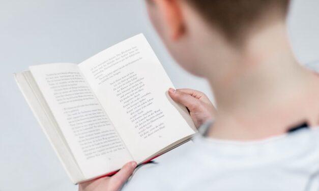 Apuestan por el fomento de la lectura en niños y adolescentes con sordera