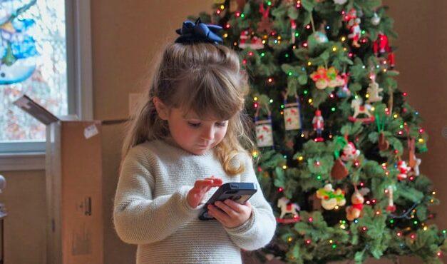 Niños de 4 años crean 'El secreto escolapio', la primera radio-serie hecha por Whatsapp