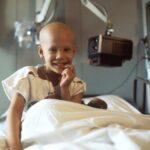 Diseñan una joya solidaria para ayudar a combatir la leucemia