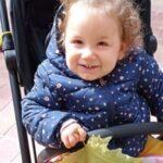 Todos somos Olaya, la campaña solidaria para conseguir un andador para una pequeña de 2 años que sufre de AME
