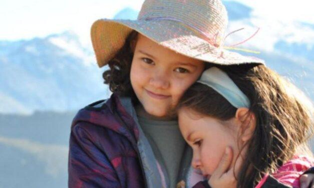 Una familia granadina organiza un crowdfunding para solventar los gastos de su hija Celia quien tiene un tumor cerebral