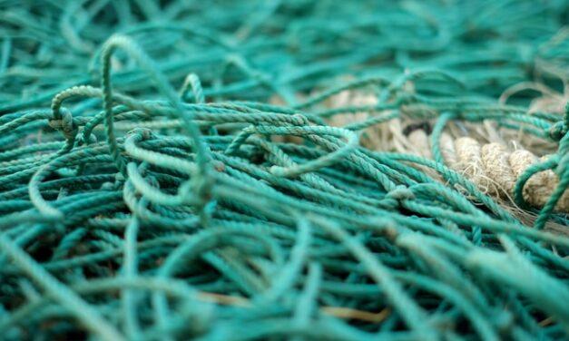 Gregal EcoDesign diseña tejidos sostenibles con las redes y plásticos del Mediterráneo