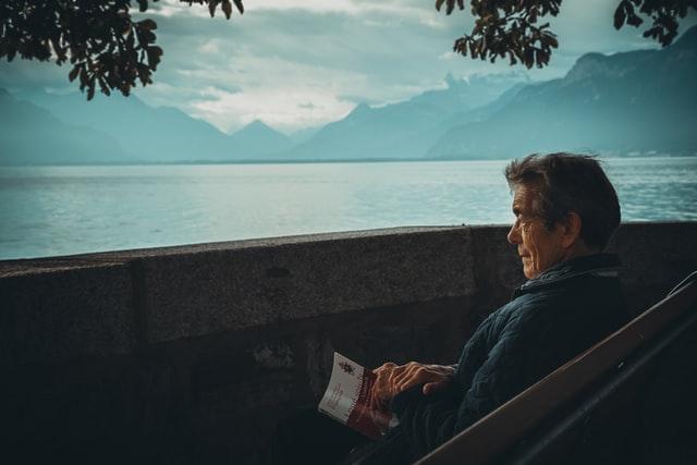 Proponen la creación de un registro de personas con soledad no deseada