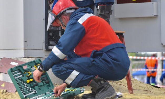 """Lanzan el programa """"Jóvenes Profesionales II"""" para formar a técnicos de instalaciones de energía"""