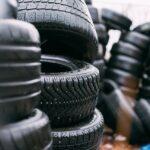 Utilizarán botellas de plástico recicladas para fabricar neumáticos a partir de 2022